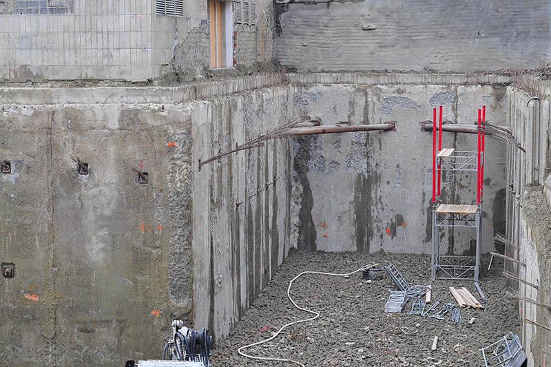 dostavba areálu paženie jamy