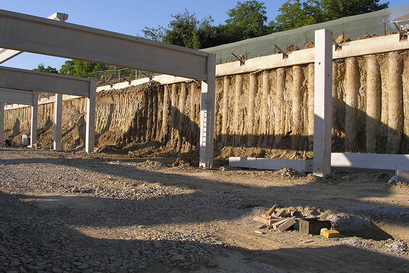 Kaufland oporný múr
